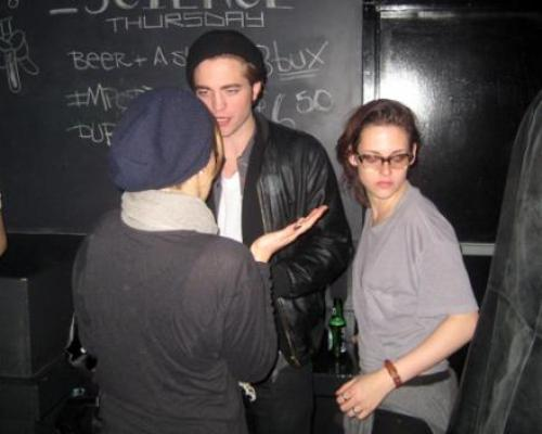 robsten dating Seeing robert and kristen dating again like in the twilight era is never the good news for the robsten fans is that rob and kristen are still keeping in touch.