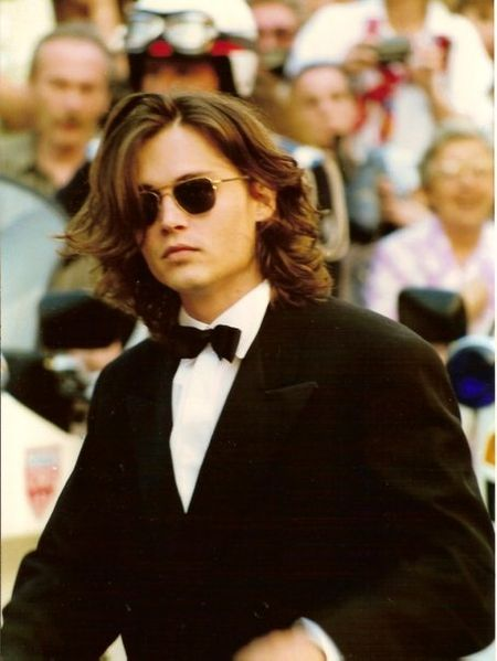 450px-Johnny_Depp_Cannes_nineties