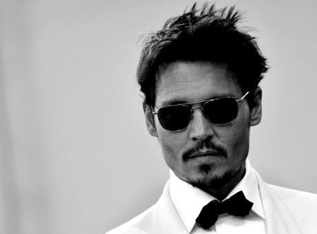 Johnny-Depp-black-tie