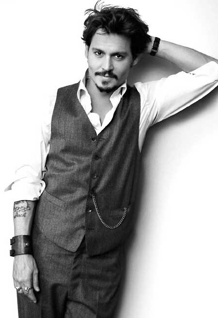Johnny Depp Latest Pic 2012-2013 02 profile