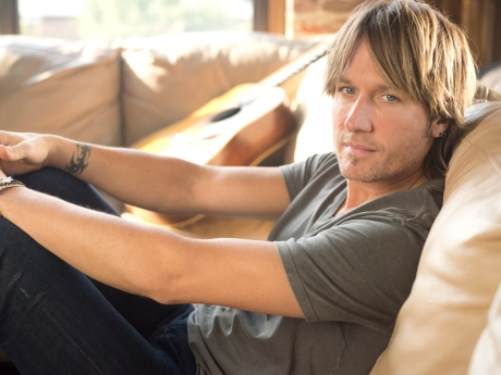 Keith Urban_5x7_web version_credit-Jeff Lipsky