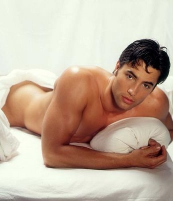 victor-webster-melrose-place-shirtless-photos-08062009-23