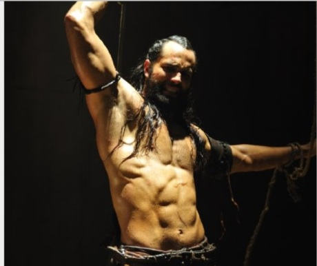 Here is this hottie with an amazing body at almost 40 in The Scorpion King 3 yummy :D